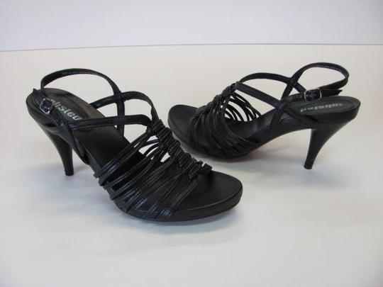 Unlisted by Kenneth Cole New Size 6.50 BlACK Sandals