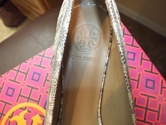Tory Burch Natural/Natural/Gold-141 Flats