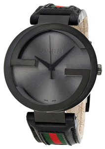 Gucci Gucci Mens watch Black Dial Logo Black Leather Strap Dress Designer Watch
