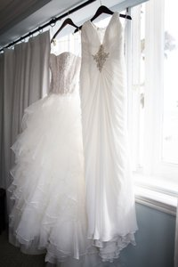 Oleg Cassini White Organza and Vingtage Lace Cwg568 Traditional Wedding Dress Size 4 (S)