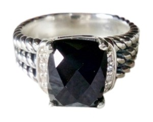 David Yurman David Yurman Petite Wheaton Ring with Black Onyx and Diamonds, size 7