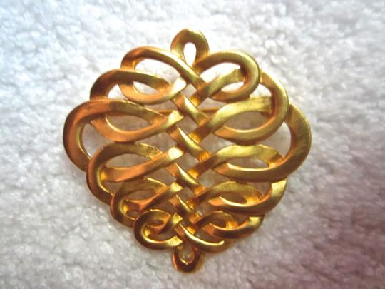 Metropolitan Museum of Art FRENCH KNOT BRAID MMA METROPOLITAN MUSEUM NY GOLD PLATED SIGNED PIN