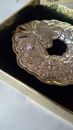 Kirk Stieff KIRK STIEFF CHRISTMAS WREATH REPOUSSE' PEWTER ORNAMENT 1992