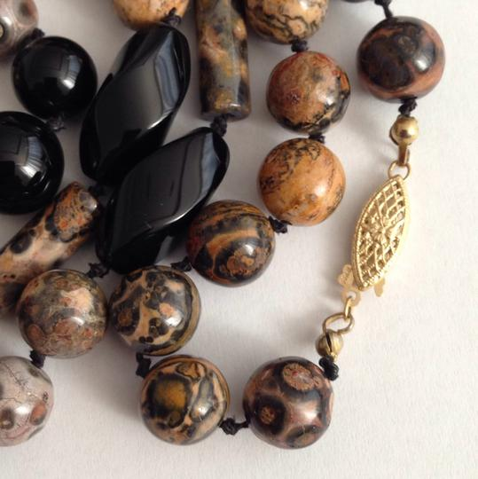 Vintage 14k Gold Onyx Agate Necklace. Vintage 14k Gold Onyx Agate Necklace.
