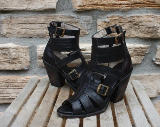 FreeBird By Steven Breez Leather Strappy Size 7 Steve Madden Black Sandals