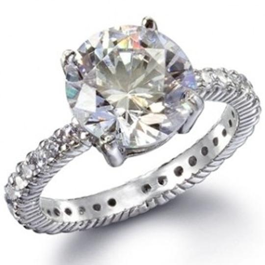 Preload https://img-static.tradesy.com/item/49842/silversterling-silver-classic-cz-solitaire-ring-0-0-540-540.jpg