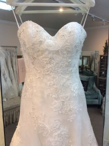 Casablanca Ivory/Ivory/Silver Lace and Satin New Traditional Wedding Dress Size 8 (M)