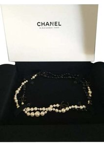 Chanel Brand new authentic Chanel pearl black and white long cc logo necklace rare HTF