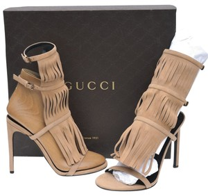 Gucci Womens Designer Fringe Gladiator Heels Stockagc Beige Sandals
