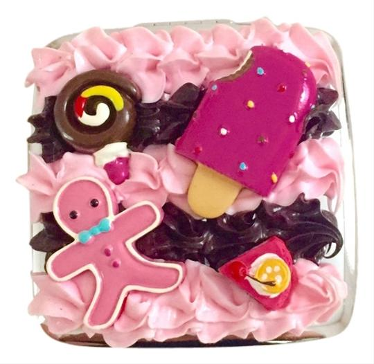Preload https://item1.tradesy.com/images/other-yummy-creamy-compact-mirror-4991410-0-0.jpg?width=440&height=440
