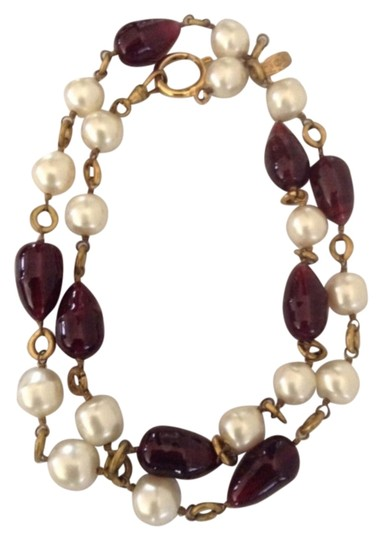 Preload https://item3.tradesy.com/images/chanel-purple-white-rare-vintage-season-23-gripoix-and-pearl-necklace-4991662-0-0.jpg?width=440&height=440
