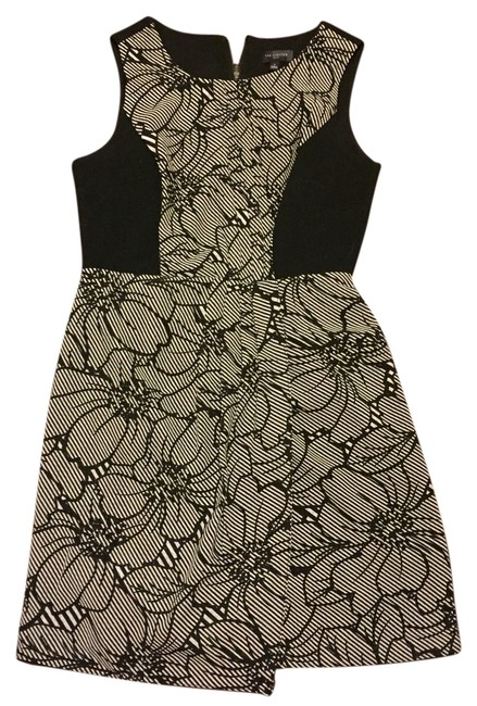 Preload https://item1.tradesy.com/images/the-limited-black-and-white-mid-length-workoffice-dress-size-2-xs-4993075-0-0.jpg?width=400&height=650