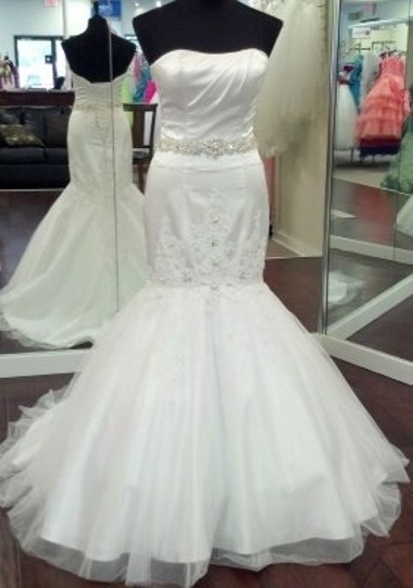 Preload https://item1.tradesy.com/images/impression-bridal-white-10018-sexy-wedding-dress-size-other-50055-0-0.jpg?width=440&height=440