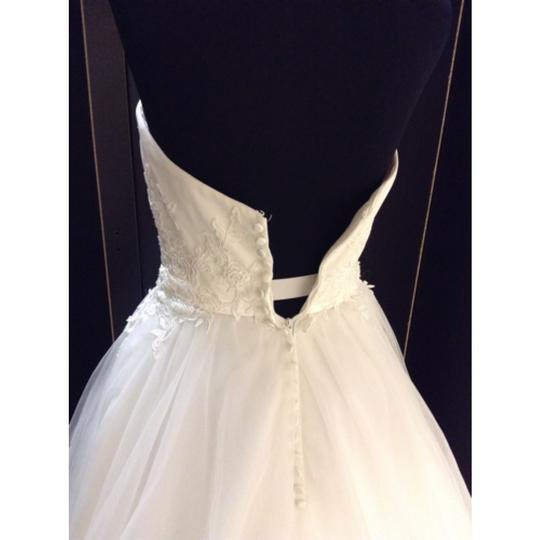Allure Bridals Ivory Tulle 2566 Formal Wedding Dress Size 4 (S)