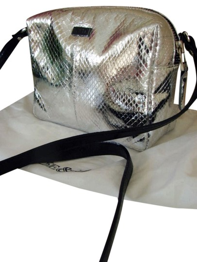 Preload https://item1.tradesy.com/images/be-and-d-new-snake-embossed-metallic-silver-leather-cross-body-bag-5018530-0-0.jpg?width=440&height=440