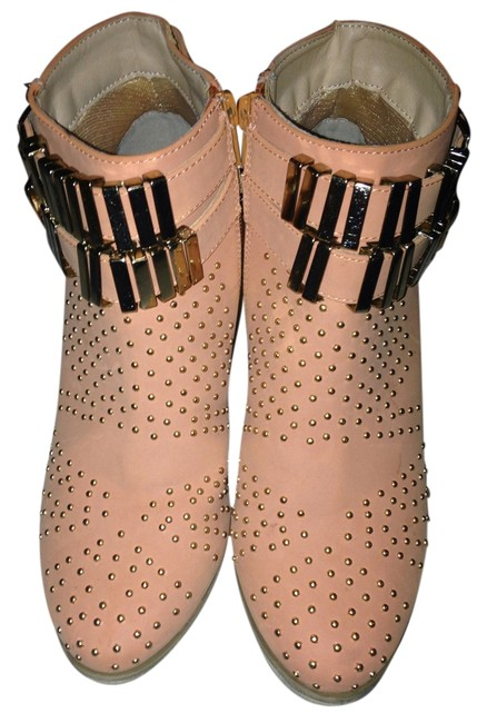 Item - Peach Boots/Booties Size US 6.5