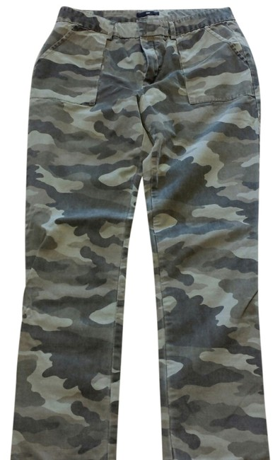 Preload https://item2.tradesy.com/images/gap-camouflage-cargo-pants-size-4-s-27-5026171-0-0.jpg?width=400&height=650