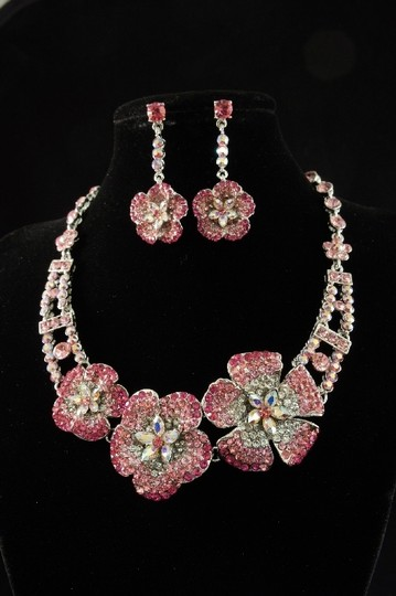 Pink/Gold Plate Crystal Flower Necklace Earrings Jewelry Set