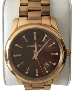 Michael Kors RUNWAY ROSE GOLD & MOTHER PEALRS DIAL WATCH