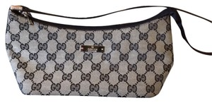 Gucci Vintage Leather Handle Exterior Pocket Interior Pocket Leather Bottom Grey & Navy Clutch