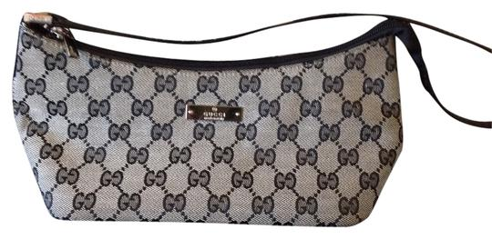 Preload https://item1.tradesy.com/images/gucci-grey-and-navy-woven-clutch-5028250-0-0.jpg?width=440&height=440