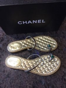 Chanel 15p Flat Flip Flop Quilted Slide Gold Sandals