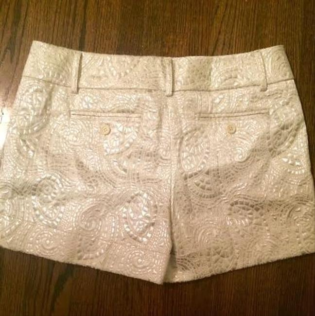 New York & Company Mini/Short Shorts White/Silver