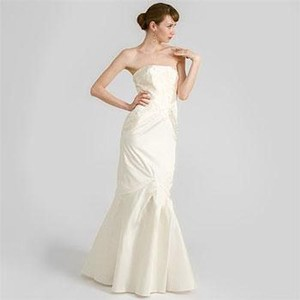 Nicole Miller Bridal Ivory Silk Oa0005 Feminine Wedding Dress Size 10 (M)