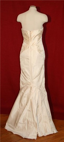 Nicole Miller Bridal Silk New Floral Embroidery Gown Oa0005 Feminine Wedding Dress Size 10 (M)