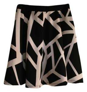 Bar III Mini Skirt Black and White