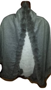 Neiman Marcus NEIMAN MARCUS CASHMERE WITH FOX TRIM