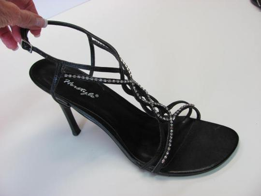 Herstyle Good Condition With Rhinestones Size 11.00 Large Size Black Formal
