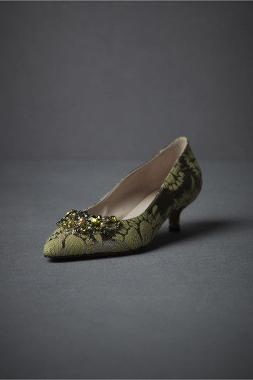 Anthropologie Pearlescent Pumps