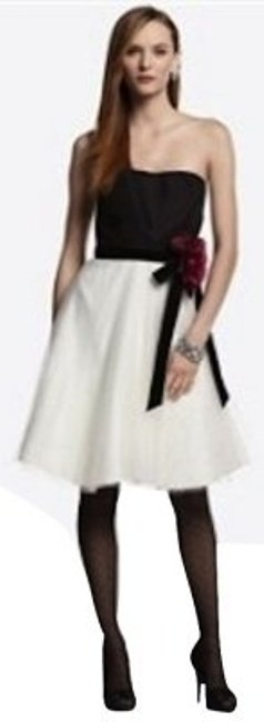Preload https://item5.tradesy.com/images/white-house-black-market-and-houseblack-enchanted-evening-above-knee-cocktail-dress-size-0-xs-5054-0-0.jpg?width=400&height=650