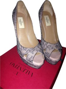 Valentino Heels Lace Crystal Nude Black Pumps
