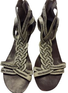 Steve Madden Summer Designer Leather Leather Leather Girl Size 9.5 Braided Cream Suede Leather Flip Flop White Sandals