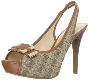 Guess brown multi Pumps