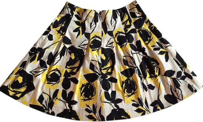 Item - Printed A-line Skirt Size 6 (S, 28)