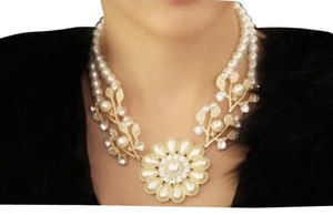 Crystal Pearl Flower Choker Chunky Statement Collar Necklace