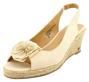 Karen Scott Wedges Sandal beige Sandals