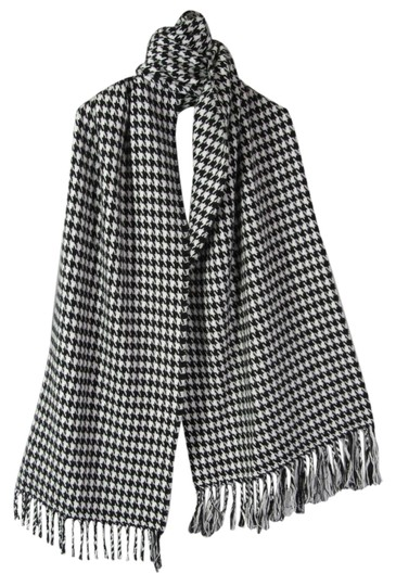 Preload https://item4.tradesy.com/images/other-scarf-black-white-houndstooth-cashmere-feel-100-acrylic-5077588-0-0.jpg?width=440&height=440