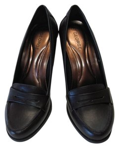 George New Excellent Condition BROWN Pumps