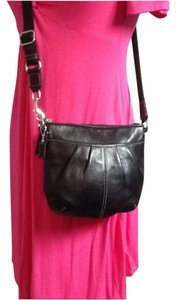 Coach #coach #crossbody #black #leather Cross Body Bag