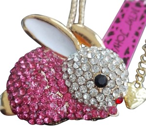 Betsey Johnson NWT Betsey Johnson Pink Crystal Bunny Pendant Necklace