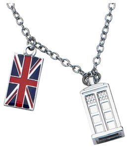 Preload https://item3.tradesy.com/images/hot-topic-silver-tardis-doctor-who-necklace-5089882-0-0.jpg?width=440&height=440