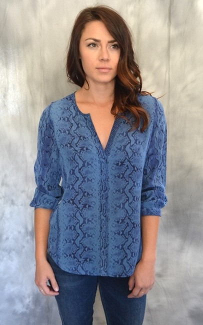 Joie Joi Purine Snake Pythone Print Tunic 3/4 Silk Navy Midnight Equipment Theory Amanda Uprichard Bcbg Contemporary Alice Top Blue