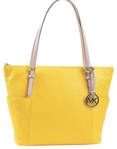 ba0c93d16246 Added to Shopping Bag. Michael Kors 35t2gttt8l Sun Bright Spring Summer Tote  in Citrus Yellow. Michael Kors Jet Set Item Ew Top Zip ...