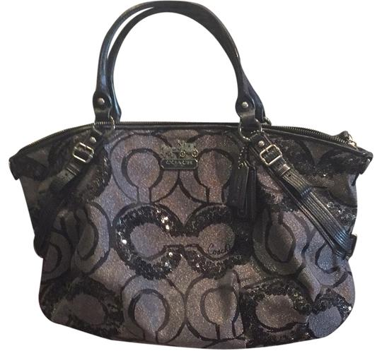 Preload https://item2.tradesy.com/images/coach-tote-bag-black-5093896-0-0.jpg?width=440&height=440