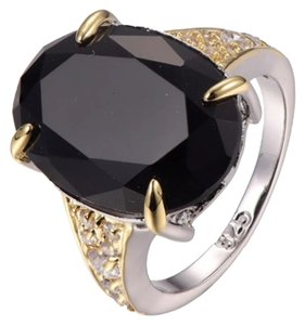 BLACK ONYX GEMSTONE RING - SIZE 10 BLACK ONYX GEMSTONE RING - SIZE 10 - 925 SS