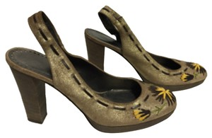 Isabella Fiore Golden Pumps